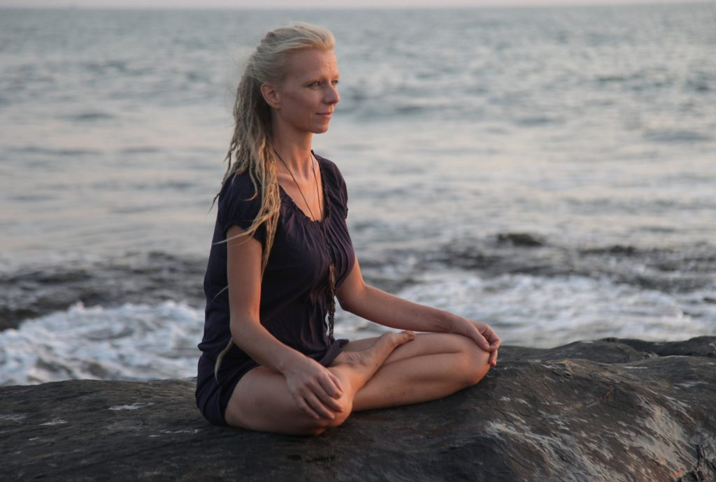 sea meditation yoga