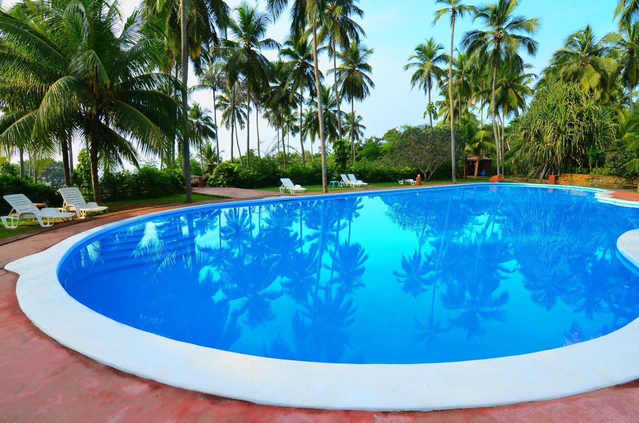 pool swimming eva lanka