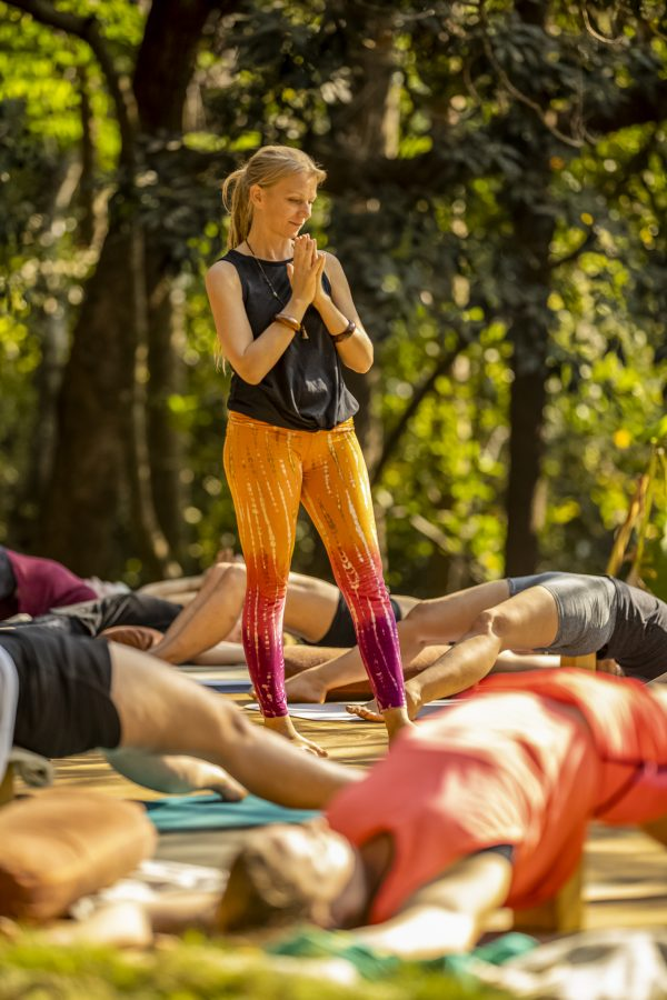 Alexandra teaching at the yoga therapy training India 1