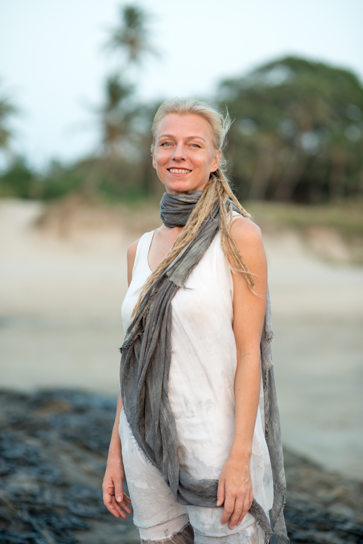 alex yin yoga teacher training trainer